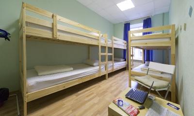 Работа в Москве с проживанием: удобно или проще самому снимать общежитие?